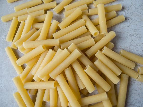 pile of ziti noodles