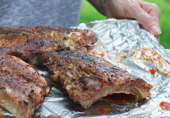 serving grilled ribs