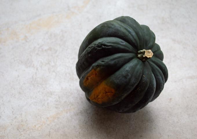 ripe acorn squash