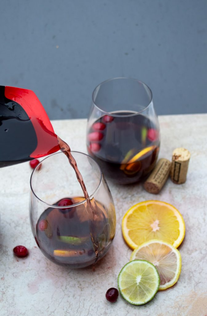 pouring mulled wine