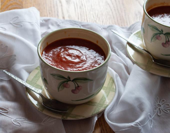 pureed creamy tomato soup
