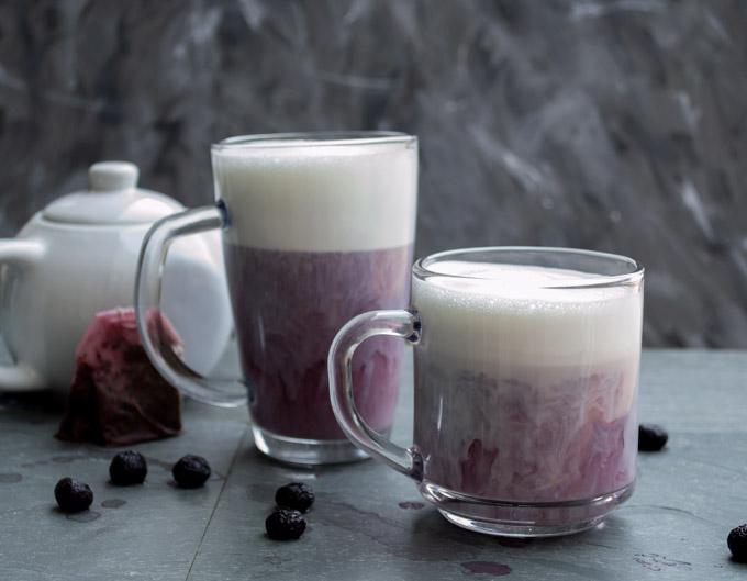 milk mixed with earl grey tea