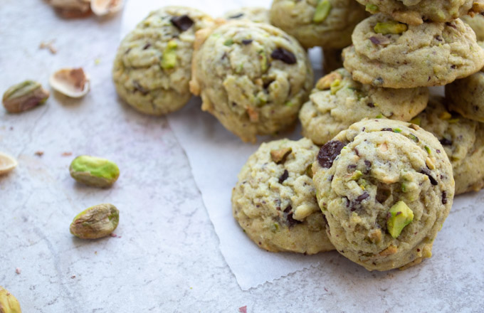 side view of pistachio cookies